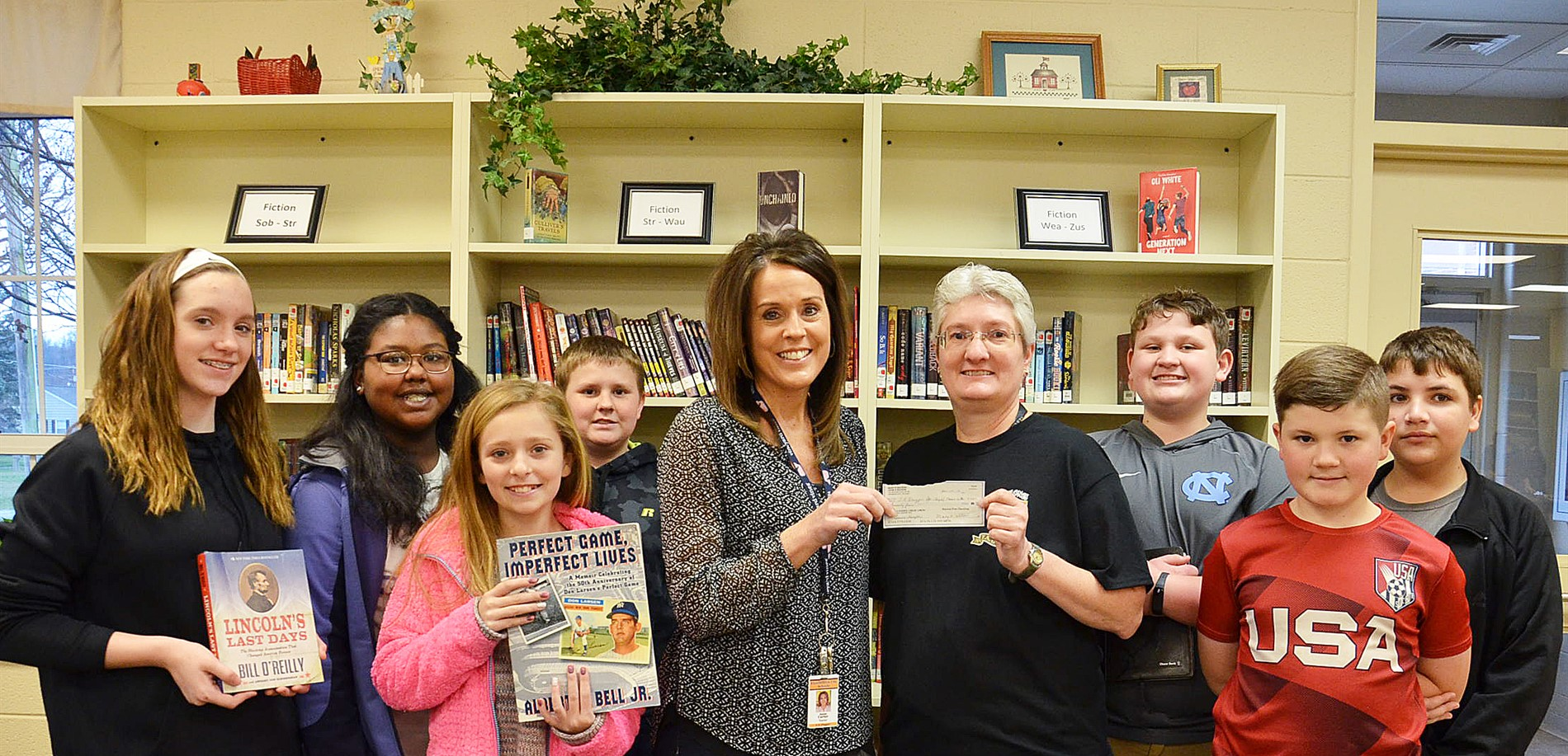 Penny Hampton donates to Library